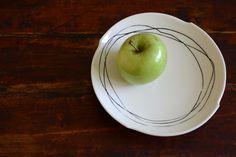Amakusa porcelain dessert plate with black inlay by Kikuchi Yuka