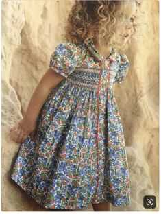 Probably a Children's Corner ♥ Pattern. Love the matching rick-rack accent. Smocked Baby Clothes, Girls Smocked Dresses, Little Dresses, Little Girl Dresses, Smocking Patterns, Smocking Tutorial, Skirt Patterns, Coat Patterns, Blouse Patterns