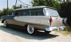 The prettiest/ugliest car there ever was. Ford Classic Cars, Classic Trucks, Beach Wagon, Station Wagon Cars, Edsel Ford, Us Cars, Unique Cars, Ford Motor Company, Cars And Motorcycles