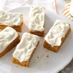 Pumpkin Bars Recipe - craving pumpkin (and cream cheese frosting) this morning!