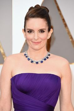 Actress Tina Fey wears a Bulgari sapphire necklace on the red carpet at the 88th Annual Academy Awards. (Photo by Jason Merritt/Getty Images)