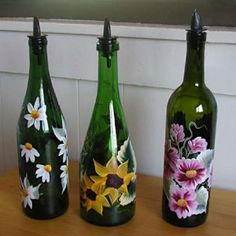 9. Paint an empty wine bottle with non-toxic paint and fill with olive oil. Top with an oil pour spout that can be found at a gourmet cooking shop. Turn a wine bottle into an oil bottle Van Gogh on a wine bottle