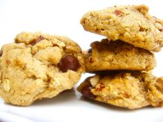 Easy Gluten Free Oatmeal-Peanut Butter Cookies (need to make again with chocolate chips!)