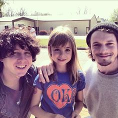 Anton Yelchin and Ben Kweller on the Rudderless movie set with a fan <3