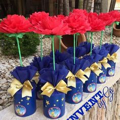 La imagen puede contener: 1 persona, flor y planta Prince Birthday Party, First Birthday Parties, Birthday Party Themes, First Birthdays, Beauty And Beast Wedding, Beauty And The Beast Party, Blue Party Decorations, Baby Shower Decorations For Boys, Little Prince Party