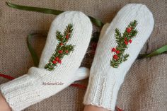 Warm mittens  White mittens  Hand knitted mittens by MySunsetColor