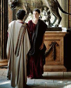 Rachel Weisz as Hypatia and Oscar Isaac as Orestes in Agora (2009)