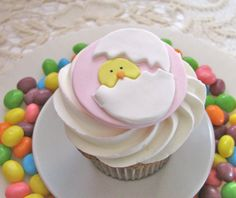 Easter Hatching Chick cupcake topper by Edible Details