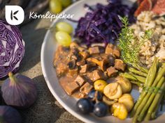 autum plate from photo by Cabbage, Vegan Recipes, Plates, Autumn, Vegetables, Food, Licence Plates, Dishes, Vegane Rezepte