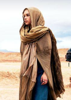 Game of Thrones- Daenarys of Arabia!