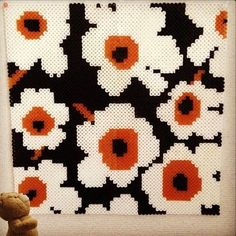 Marimekko style hama bead piece, love it Fuse Beads, Pearler Beads, Hama Beads Patterns, Beading Patterns, Stitch Games, Iron Beads, Perler Bead Art, Embroidery Techniques, Bead Crafts