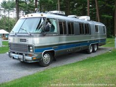 Airstream Motorhome Front Streetside