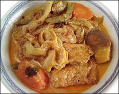 KitchenTigress: Sayur Lodeh. A curry from scratch, vegetarian. Also features using bean curd, tofu skin, or dry bean curd.
