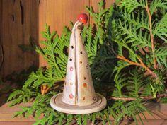 kleiner Keramik Räucherkegel, Unikat aus Keramik  von Keramania auf DaWanda.com