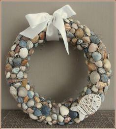 Pin on Natal Nautical Wreath, Seashell Wreath, Seashell Art, Seashell Crafts, Summer Diy, Summer Crafts, Diy Wreath, Burlap Wreath, Crafts To Sell