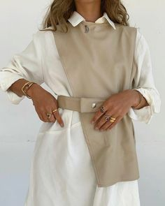 pulls casual chic 🖤 in STORETS Knox Pleather Vest and Dress Set. Source by storets casual Look Fashion, Fashion Details, Diy Fashion, Ideias Fashion, Womens Fashion, Fashion Trends, Young Fashion, Unique Fashion, Fashion Boutique