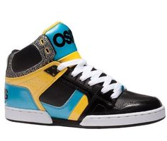Continuing the historical NYC 83, this is yet another stylish shoe fusing fashion with pavement chic. Great usage of colours, but always sticking to technical values. Get your skate on, or get your fashion on with these.