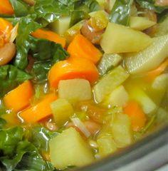 skinny detox soup: sounds pretty damn good to me! Detox Recipes, Soup Recipes, Cooking Recipes, Detox Foods, Healthy Soup, Healthy Snacks, Healthy Recipes, Comidas Paleo, Sopa Detox