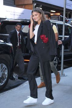 """Zendaya Coleman is spotted promoting the new Spider-man movie at """"Good Morning America"""" in NYC (II)"""
