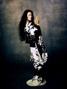 Vogue. Gong Li #oriental #kimono