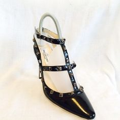 Valentino Caravani Black Sandals. Get the must-have sandals of this season! These Valentino Caravani Black Sandals are a top 10 member favorite on Tradesy. Save on yours before they're sold out!