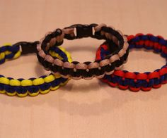 Survival bracelets are often seen on soldiers in war or hikers in the woods. Real 550 paracord has 7 inner strands. The paracord sheath is rated at about...