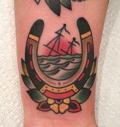old school horseshoe tattoo #traditionaltattoo #oldschooltattoo #nauticaltattoo #horseshoe
