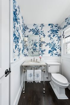 Home Decor Benjamin Moore Super White bathroom cladding with blue and white floral wall Bathroom Cladding, Wainscoting Bathroom, Bathroom Wallpaper, Bathroom Wall Decor, Bathroom Interior Design, Bathroom Furniture, Small Bathroom, Bathroom Ideas, Bathroom Mirrors