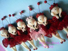 Móbile Joaninhas bailarinas e Móbile Joaninha Glamour by Sonho Doce Biscuit *Vania.Luzz*, via Flickr