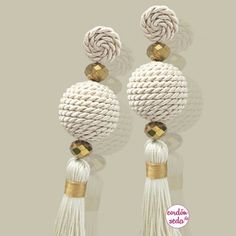 How to make simple thread earrings at home - the how of things Paper Earrings, Soutache Earrings, Beaded Earrings, Earrings Handmade, Crochet Earrings, Handmade Jewelry, Tassel Earing, Tassel Jewelry, Diy Jewelry