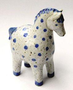 home decor art Pottery Animals, Ceramic Animals, Horse Sculpture, Animal Sculptures, Ceramics Projects, Clay Projects, Ceramic Pottery, Ceramic Art, Blue Horse