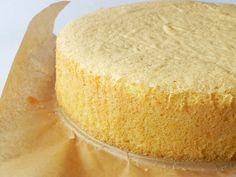 Tort cu crema de ciocolata alba - Dulciuri fel de fel Cornbread, Ethnic Recipes, Cake, Pastries, Millet Bread, Corn Bread