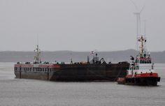 Sleeptransport 7 februari 2015 te IJmuiden met de 'Wagenborg Barge 7' met assistentie van de 'Arion'  onderweg naar Damen Shiprepair Amsterdam