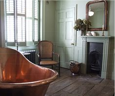 'Bathing involved considerable rigamarole at Netherfield. Although one of the new copper baths had been installed, no one had thought very carefully about its use.' This pic - Copper bath in Georgian room Modern Georgian, Georgian Homes, Style At Home, Bathroom Inspiration, Interior Inspiration, Bathroom Ideas, Small Bathroom, Color Inspiration, Bathroom Fireplace