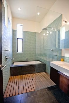 great layout for separate shower and bath for a small