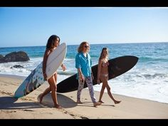 Meet Diane von Furstenberg along with Roxy team riders Monyca Bryne Wickey & Kelia Moniz in this exculsive video straight from the beaches of California #DVFlovesROXY
