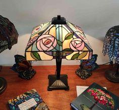 Lampada da Tavolo Tiffany con Fiori 406 Studio, Studios