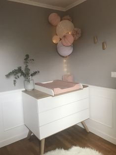 Chambre rose pastel et blanche Pastel pink and white room