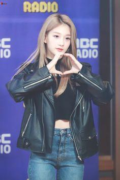 South Korean Girls, Korean Girl Groups, Lee Seo Yeon, Pre Debut, Leather Jacket, Kpop, Model, Jackets, Outfits