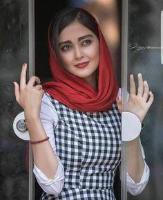 Iranian Women Fashion, Ethnic Fashion, Hijab Fashion, Girl Fashion, Iranian Beauty, Muslim Beauty, Beautiful Muslim Women, Beautiful Hijab, Iran Girls
