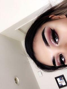 Glitter liner ✨half cut crease #glittercutcrease