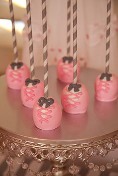 Adorable cake pops at a Ballerina Birthday Party!  See more party ideas at CatchMyParty.com!                                                                                                                                                     Más