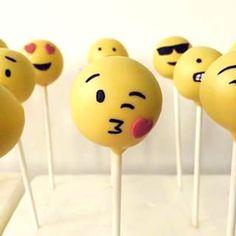 Emoji Cake Pops, Emoji Lollipops, Emoji Desserts, Emoji Pops, Emoji Party Favors, Emoji Cake, Cake Pop Emoji, Emoji Lollipop, Emoticons Birthday Cake Girls, 3rd Birthday, Birthday Parties, Emoji Theme Party, Party Themes, Party Ideas, Emoji Cake Pops, Cool Emoji, Girl Cakes