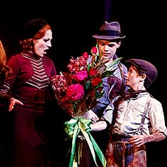 """I LOVE THIS MUSICAL // and I also love how the actor playing """"Young Clyde"""" gave Laura (Bonnie) her flowers and the actress playing """"Young Bonnie"""" gave Jeremy (Clyde) his Bonnie And Clyde Musical, Bonnie Clyde, Broadway Stage, Broadway Plays, Theatre Geek, Musical Theatre, Laura Osnes, Bonnie Parker, Shall We Dance"""