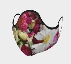 Couvre-visage par Louise Tanguay | Boutique | Art of Where Boutique, Correspondence Cards, Faces, Artist, Boutiques