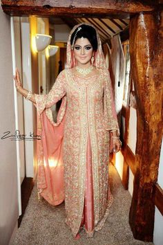 muslim bride http Bridal Dresses 2015, Bridal Outfits, Asian Wedding Dress, Asian Bridal, Desi Bride, Desi Wedding, Muslimah Wedding Dress, Walima Dress, Desi Clothes