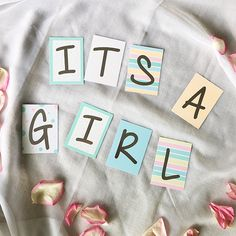 """Mini-Kärtchen """"&"""" - mit unseren Zahlen- und Buchstabenkärtchen zauberst du besondere Botschaften und Wimpelketten zu Babys Geburt."""