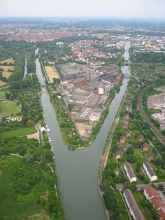 http://de.wikipedia.org/wiki/Hannoversche_Gummiwerke_Excelsior