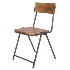 Het ontwerp van deze Woood Indi stoel is geïnspireerd op het ouderwetse schoolstoeltje. Net zoals die stoeltjes, kan deze stoel ook opgestapeld worden. Handig! De stoel is gemaakt van robuust acaciahout, wat stoer staat bij het strakke metalen frame.
