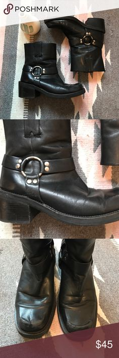 Vintage Moto boots 80's or 90's moto boots made in Brazil. They are in vintage great condition . Real leather has signs of wear . These bad boys are well broken into and look great casual or dressy make me an offer please ☺✨🎉 Vintage Shoes Combat & Moto Boots